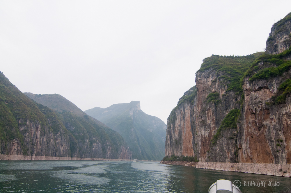 Qutang_Gorge_Yangtze_river_Cruise_China_2