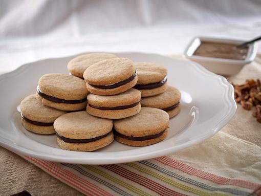 Chocolate Filled Pecan Shortbread Sandwich Cookies - Evil ...
