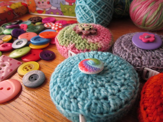 crochet tape measure cases tutorial (62)