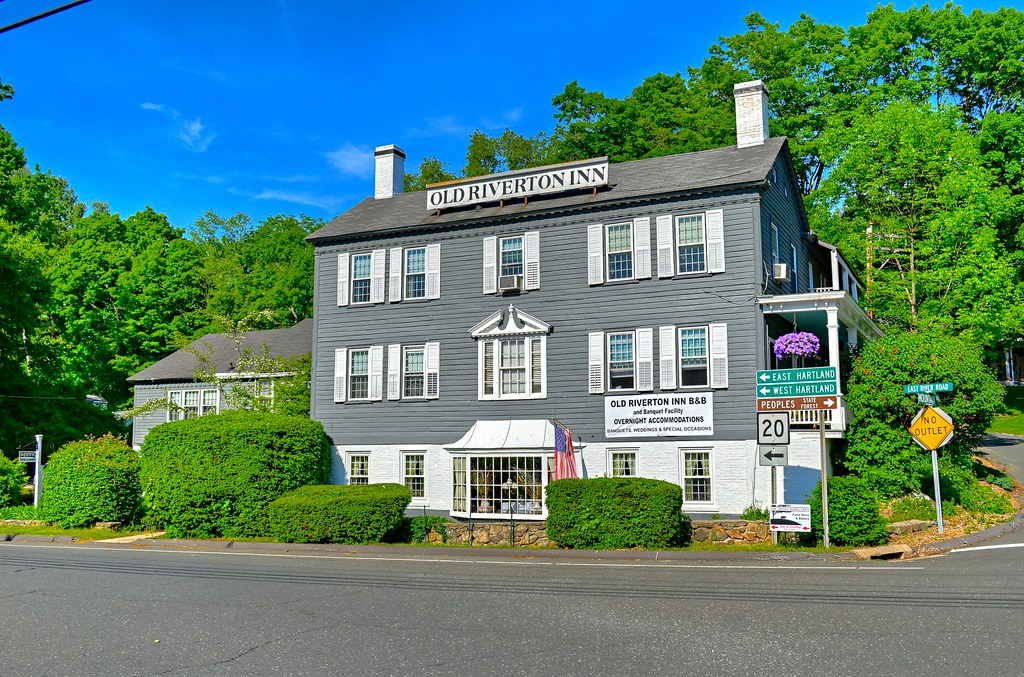 Old Riverton Inn CT