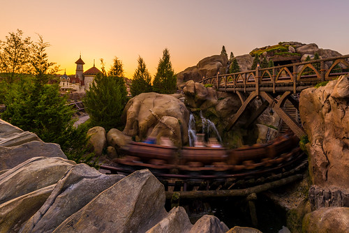 world new morning travel vacation color castle ariel train sunrise dawn early waterfall orlando nikon eric mine long exposure day angle florida magic kingdom disney seven walt ultrawide fantasyland dwarfs uwa d610