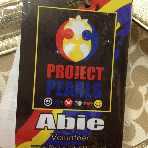 MAY PAD 6/31: You - Proud Volunteer.  Got my badge today @bebepeachy To follow pa ung kay Howell