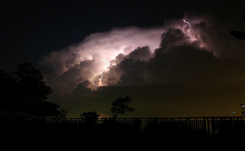 宜蘭昨夜的閃電...