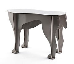 Sultan Dog Table