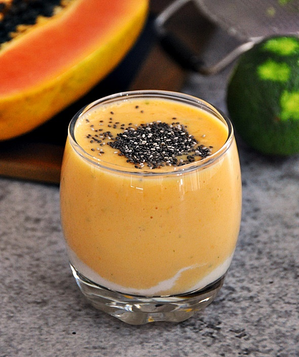Papaya & Lime Smoothie | www.fussfreecooking.com