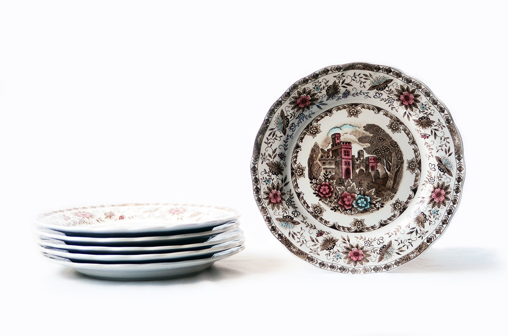 Six Vintage Manor Vista Dinner Plates