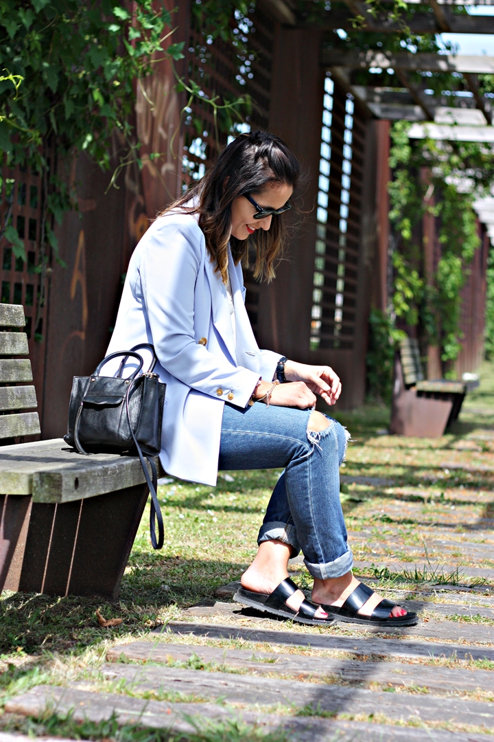 blazer-light_blue-street_style-outfit-boyfriend_jeans-pala_bio-zara-look_lady