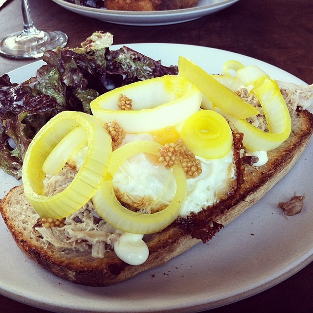 #kvpinmybelly Chicken confit sandwich with fried egg at @outerlandssf. Quite tasty! Pleasantly surprised by pickled onions #foodspotting #lunch #sandwich