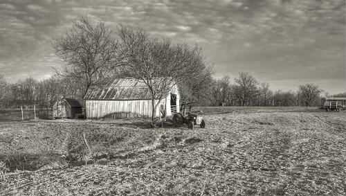 bw barn landscape photography countryside kodak pointandshoot hdr