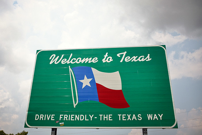 Welcome to Texas Sign on Our Epic Cross Country Road Trip // localadventurer.com