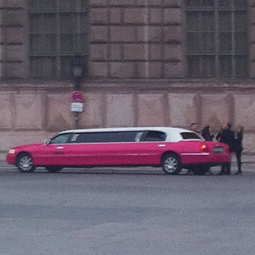 Pink Limo zu Jungle in the City
