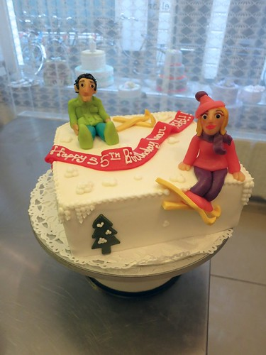 Skiing Cake by CAKE Amsterdam - Cakes by ZOBOT