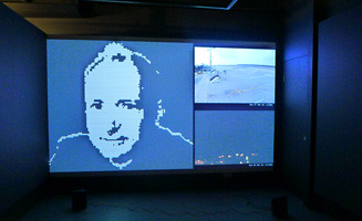 A LIVE PORTRAIT OF  TIM BERNERS-LEE (AN EARLY WARNING SYSTEM)