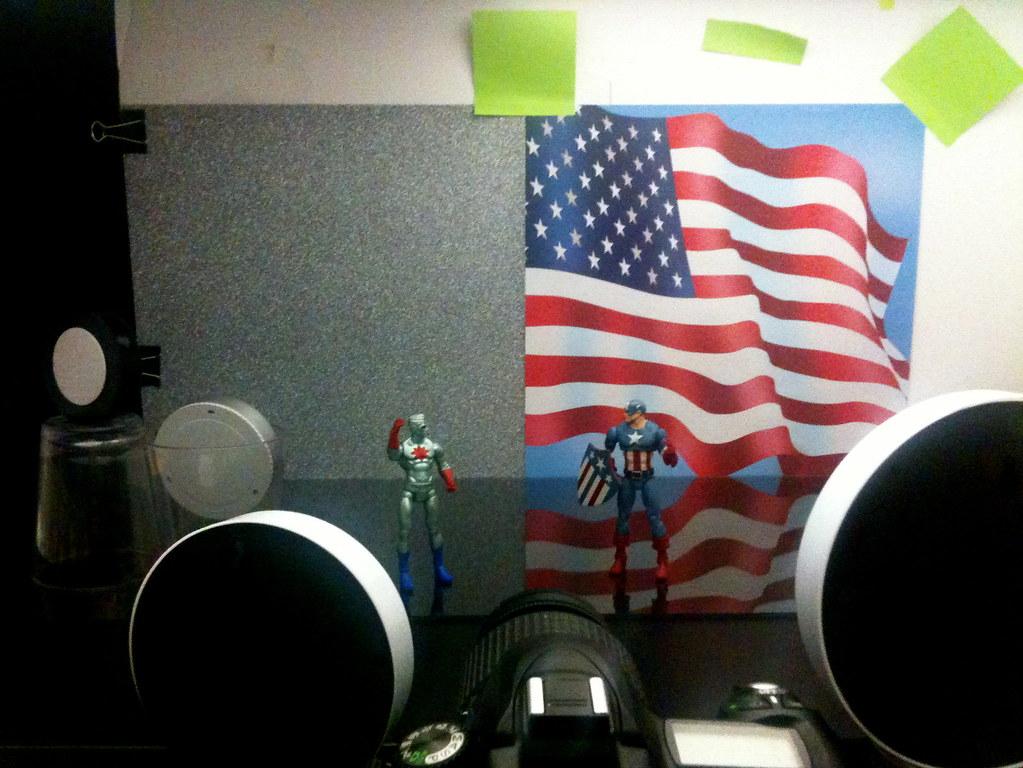 Captain Atom vs. Captain America Setup