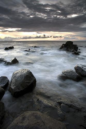 cloud seascape west beach rock stone canon indonesia landscape eos grey cloudy wave filter 5d ang lombok hitech nusa randi barat tenggara senggigi ef1740mmf4lusm