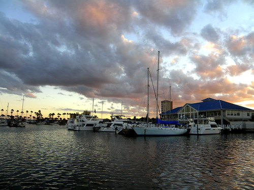 sunset water clouds marina river boats boat clubhouse halifaxriver chriscrowley celticsong22 downtowndaytonabeachflorida thanksgiving2010 myviewonthanksgivingday marinascenic