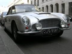 sports car(0.0), automobile(1.0), automotive exterior(1.0), vehicle(1.0), aston martin db4(1.0), aston martin db6(1.0), aston martin db5(1.0), antique car(1.0), classic car(1.0), vintage car(1.0), land vehicle(1.0), convertible(1.0),