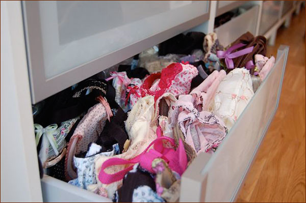 How to Organize Your Underwear Drawer | HelloGlow.co