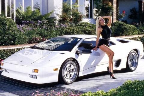 Lamborghini diablo whit sexy grils