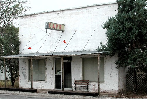 cafes diaries abandonedbuildings closedsigns closedbusinesses georgetempletonstrong wingatetexasusa
