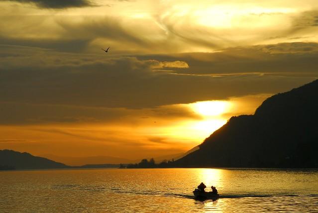 Lac de Bienne-pêcheurs-coucher de soleil.