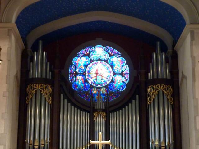 P1060088-2011-01-09-Stained-Glass-1st-Presbyterian-Atlanta-Bill-Lyons-Rose