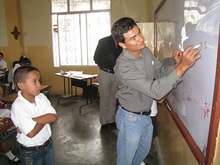 Leveraging visits to Manabí schools 09-09 (4)