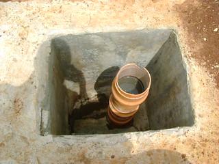 Desludging manhole (Bottom outlet)