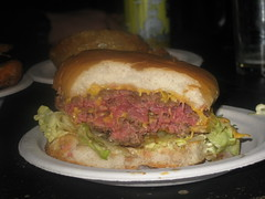 sandwich, meal, lunch, hamburger, meat, food, dish, cuisine, fast food, cheeseburger,