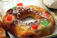 fruit cake(0.0), brioche(0.0), danish pastry(0.0), baking(1.0), tsoureki(1.0), baked goods(1.0), rosca de reyes(1.0), food(1.0), dish(1.0), dessert(1.0), cuisine(1.0),