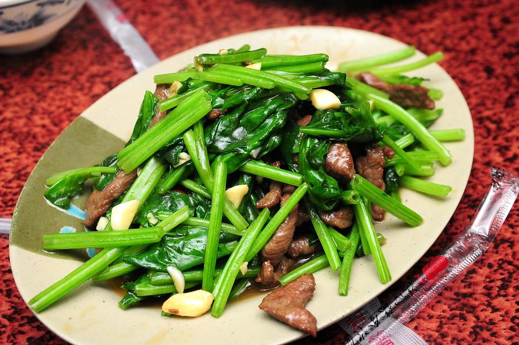 阿宏小吃 - 菠菜炒牛肉