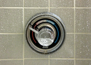 shower controls with red and blue representing hot and cold water. The area in the middle is labeled comfort zone