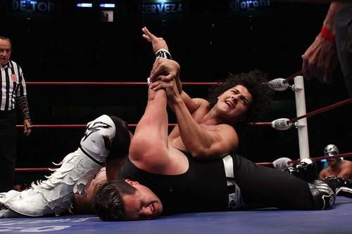 Lunes de lucha libre en la Arena Puebla