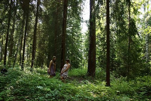 girls summer green forest