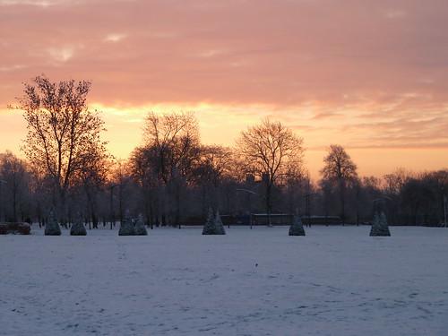 light snow sunrise glasgow lunareclipse