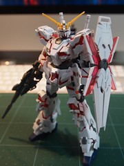 1/144 Unicorn Gundam (Destroy Mode)