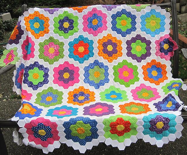 Grandmother 39 s flower garden flickr photo sharing for Grandmother flower garden quilt pattern variations