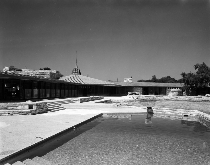 [Pool view of John Gillin's house, designed by Frank Lloyd Wright]