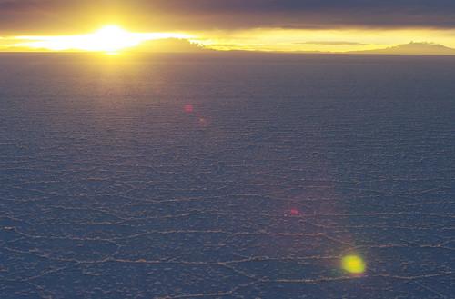 sun sunrise salt bolivia plain salar wasteland salardeuyuni