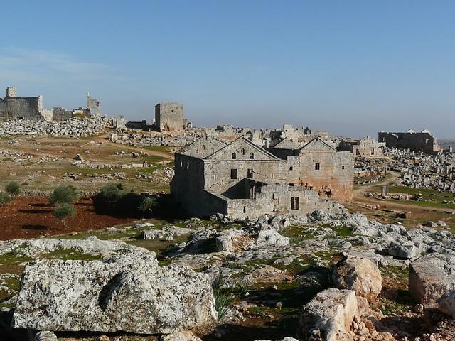 Las aldeas antiguas del norte de Siria. Vista panorámica de las ruinas de Serjilla.