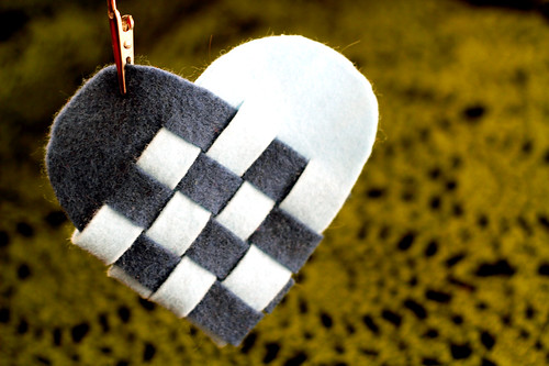 How To Weave A Danish Heart Basket : Radmegan in words and pictures weaving danish heart