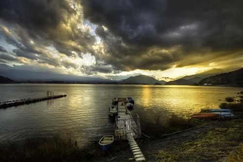 sunset lake mountains water japan canon eos pier boat fuji mt cloudy 7d rafael hdr agustin reyes yamanashi kawaguchiko ef1022mm 6xp
