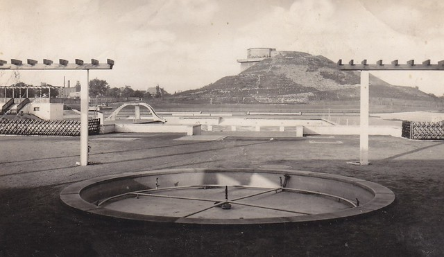 berlin gesundbrunnen schwimmbad humboldthain 1949