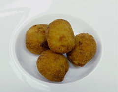 vegetable(0.0), croquette(1.0), fried food(1.0), vegetarian food(1.0), arancini(1.0), rissole(1.0), korokke(1.0), produce(1.0), food(1.0), dish(1.0), chicken nugget(1.0), cuisine(1.0), fast food(1.0),