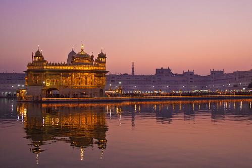 sunset sky india reflection water night canon temple golden evening dusk clear sahib gurdwara punjab amritsar gurudwara harmandir darbar 50d tamronspaf1750mmf28xrdiiildasphericalif canoneos50d