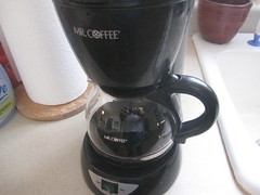 mixer(0.0), kettle(0.0), blender(0.0), coffee cup(0.0), drink(0.0), kitchen appliance(1.0), espresso(1.0), coffeemaker(1.0), cup(1.0), drinkware(1.0), small appliance(1.0),