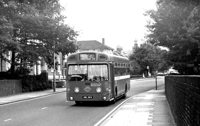 SM36 (AML36H) from Fulwell Garage in Ewell Road Surbiton on Route 281