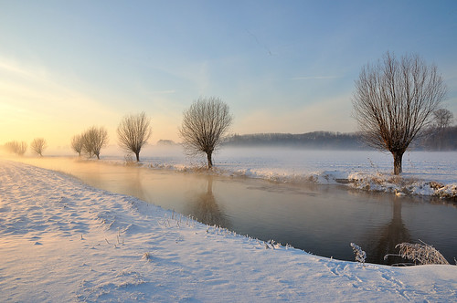 Brabants winterlandschap 2010 - Dutch winter landscape 2010 by RuudMorijn (busy....)