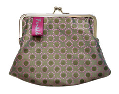 purple(0.0), handbag(0.0), polka dot(0.0), maroon(0.0), lavender(0.0), bag(1.0), pattern(1.0), magenta(1.0), violet(1.0), coin purse(1.0), design(1.0), pink(1.0),
