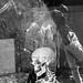 radiographie : singe nu versus squelette habillé by griffe-pétale